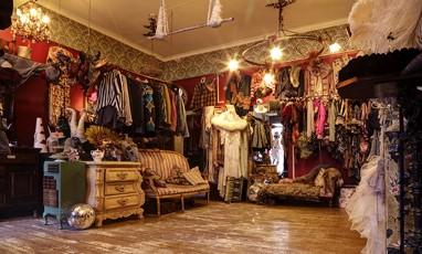 Prangsta, A Treasure Chest of Costumes