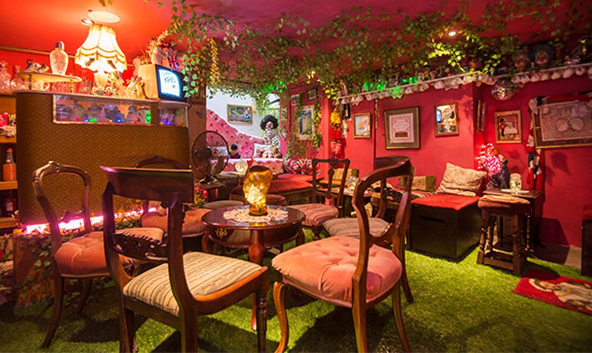 Mahiki Club Photos - Bar Tropical Paris | bar de pino photo de club ...