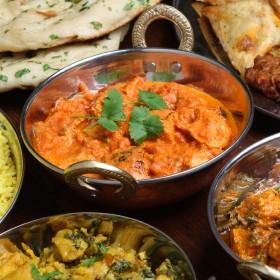 Plats indiens colorés