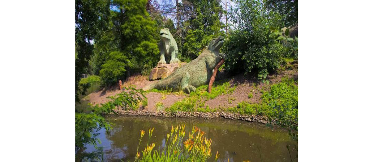dinosaurs' statues in crystal palace gardens